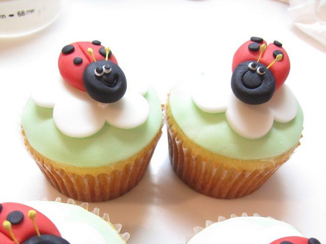 0035 てんとう虫のカップケーキ