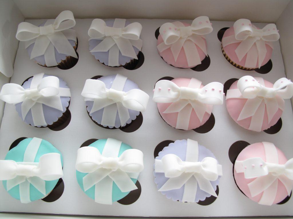 0006 Ribbon cupcakes リボンのカップケーキ