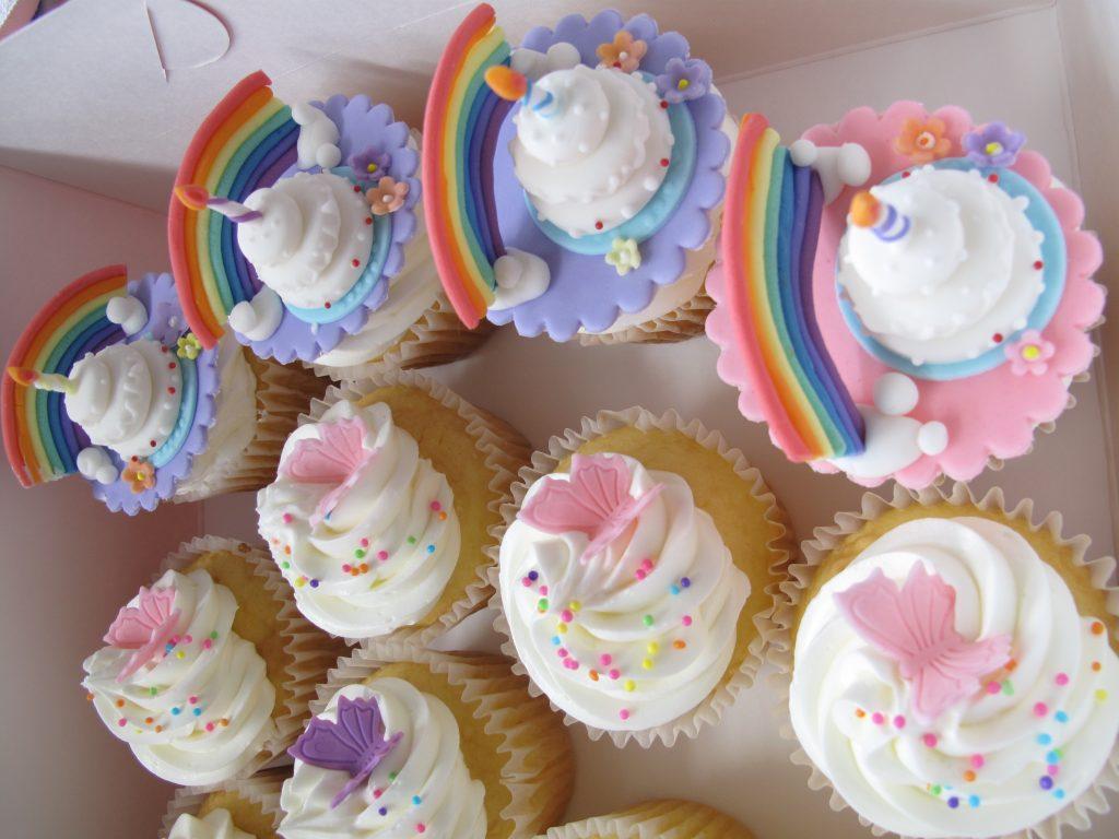0008 バースデーケーキカップケーキ