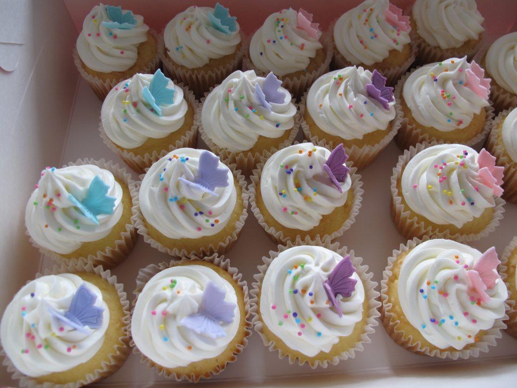 0010 蝶々のカップケーキ