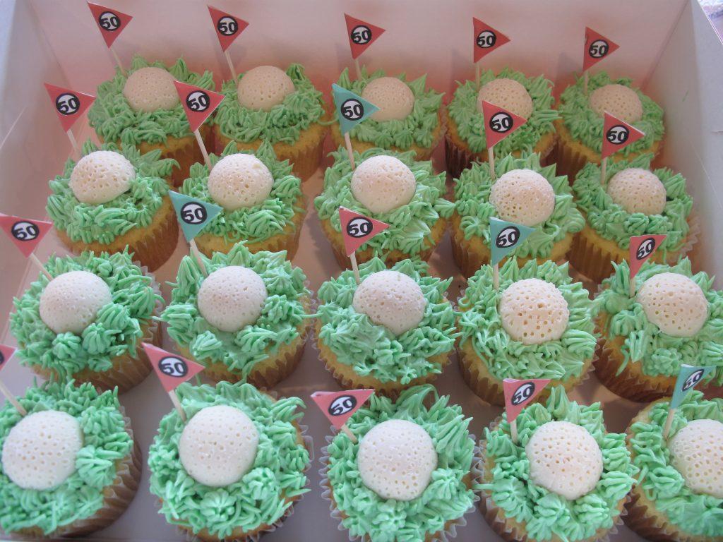 0012 ゴルフボールとグリーンのカップケーキ