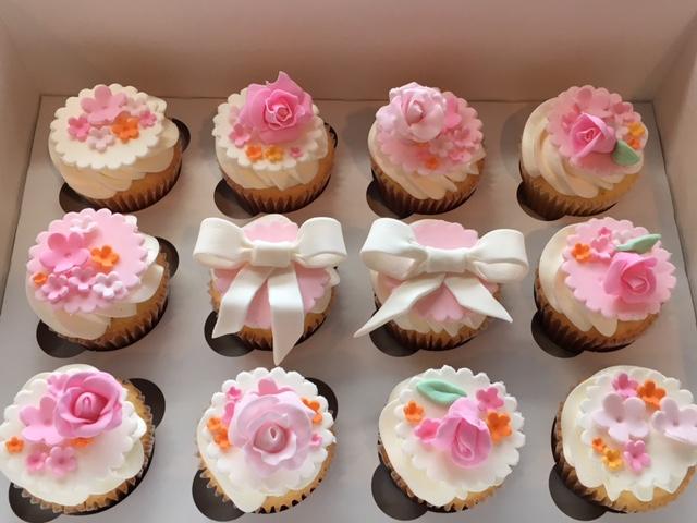 0046 お花のカップケーキ