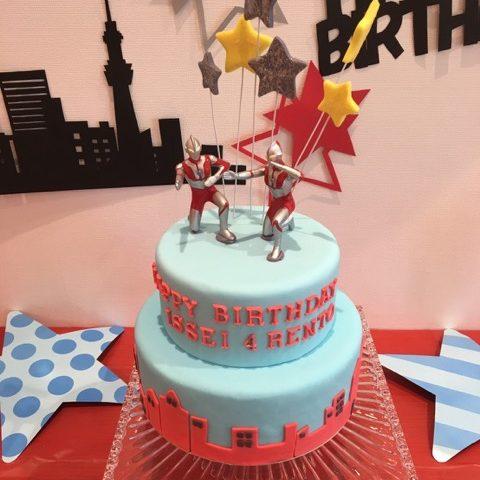 3032 スーパーヒーローのお誕生日ケーキ