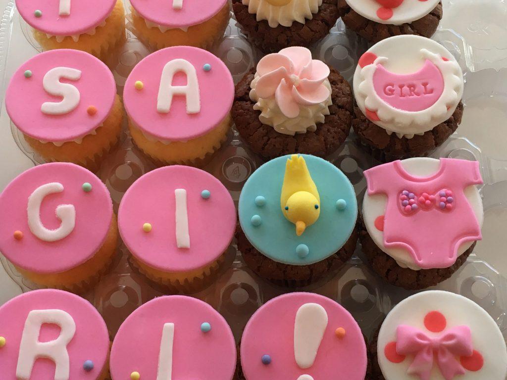 0049 It`s a girl   ベビーシャワーカップケーキ