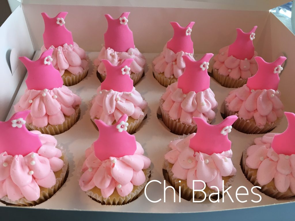 0022 ドレスのカップケーキ