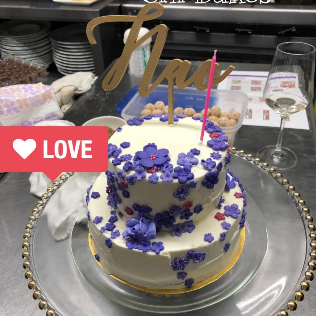 3036 2段小花のケーキ